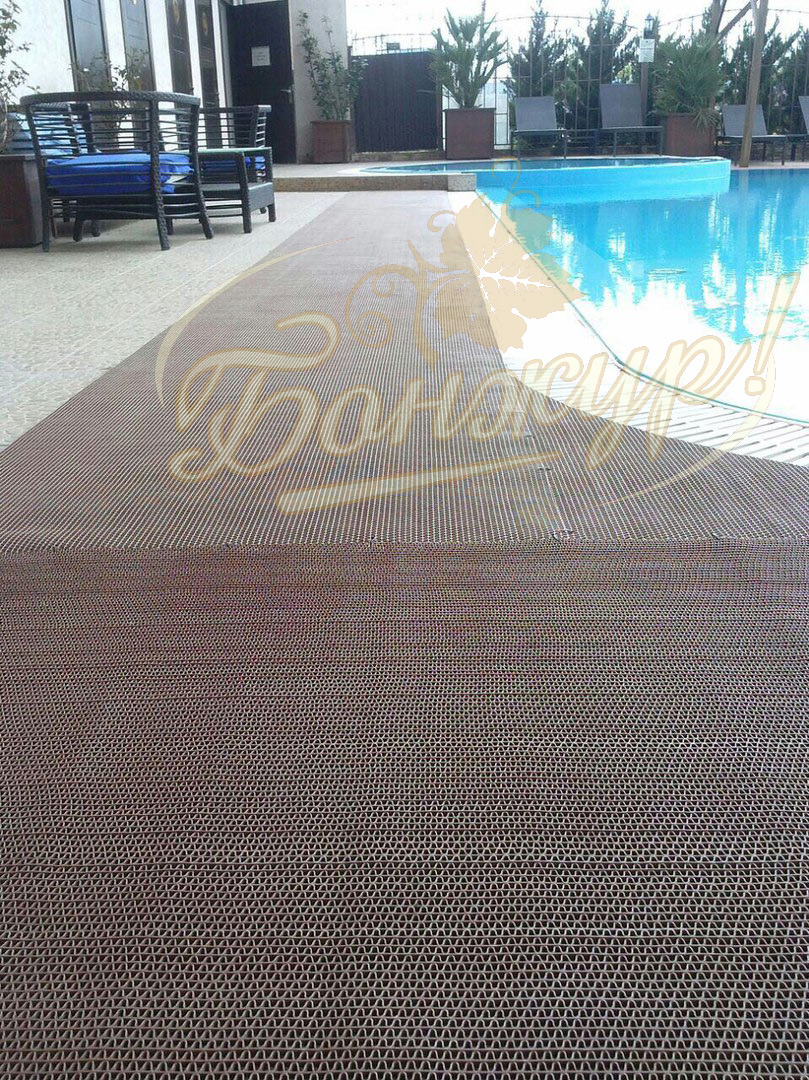 Отель с бассейном в Сукко